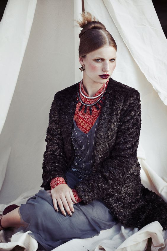 Fotografie: Gidi van Maarseveen Model: Xanthe, de boekers Styling: Maaike Peek Haar make-up: Sanne Bleeker