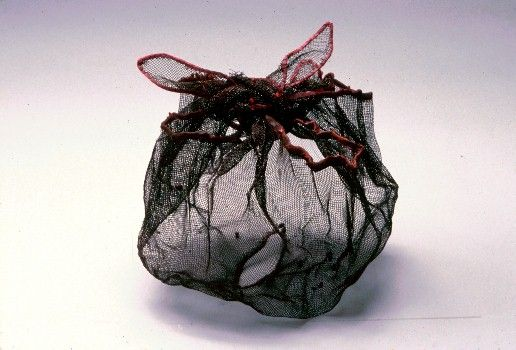 Kiyomi Iwata - Small works in silk and metal - Maroon Fold 2