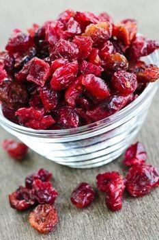How to Dry Cranberries
