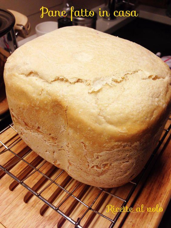 Pane fatto in casa con la macchina