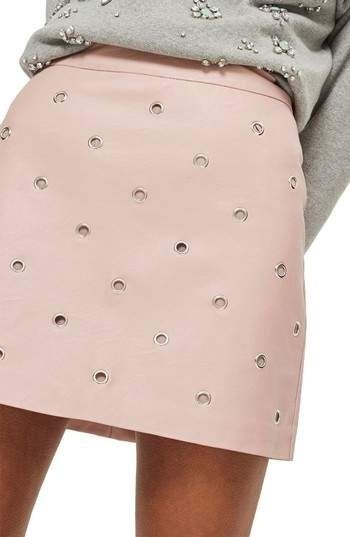 25 Mini Skirts That Make You Look Fabulous outfit fashion casualoutfit fashiontrends