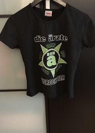 Kaufe meinen Artikel bei #Kleiderkreisel http://www.kleiderkreisel.de/damenmode/bandshirts/116887850-die-arzte-tour-shirt-2004