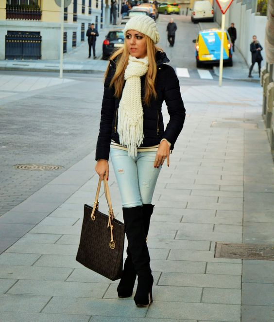ZAIDA WARD: CASUAL OUTFIT FOR MEETING