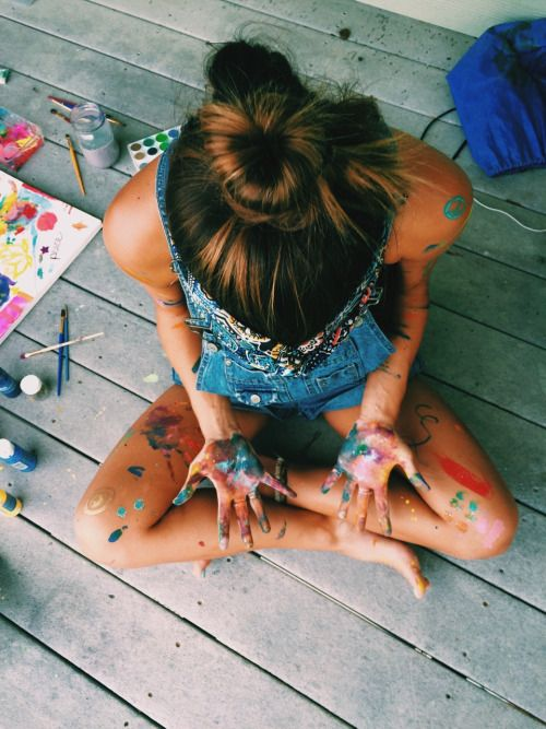 girl-with-paint-splattered-on-hands