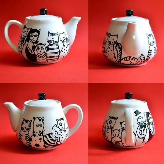 Teapot with cats