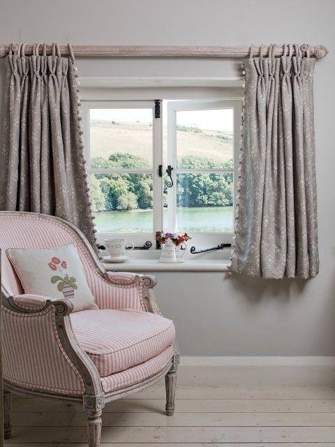 With Small Cottage Windows Shorter Curtains Emphasis The Shape Of The Window And Allow More Cottage Curtains Curtains Living Room Curtain Designs For Bedroom