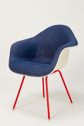 Jeans Eames Low Chair Charles & Ray Eames/Reha Okay Manufacturer: Hermann Miller made by Vitra/okay art Material: moulded fiberglass, 70' jeansfabric, laquered metal: