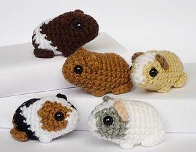 De mignons mini-cochons d'inde à crocheter, que demander de plus pour la rentrée? Les enfants vont adorer ces amigurumis et vous n'aurez pas à changer leur litière.