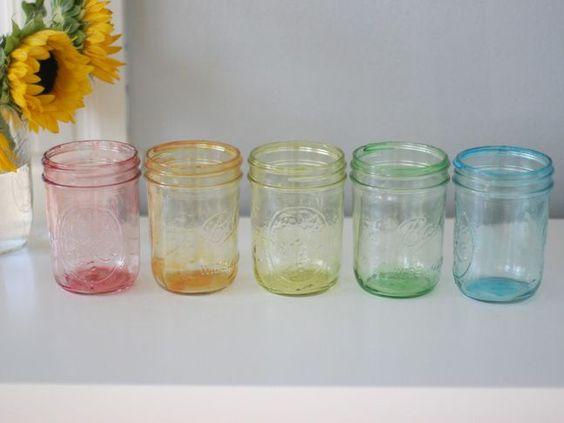 Tint your own mason jars!! How cute!!