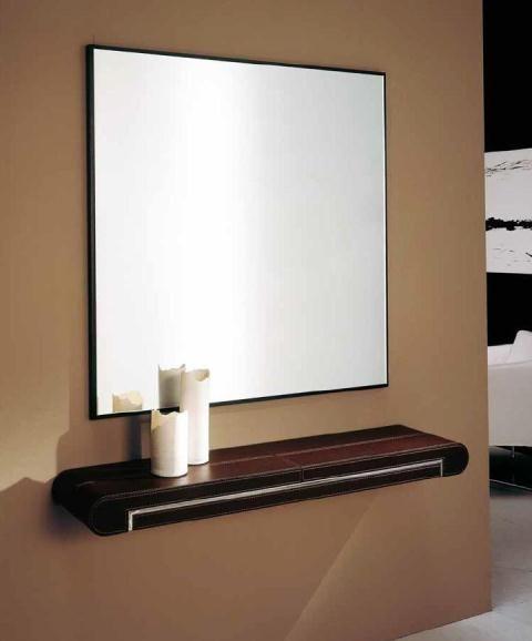 recibidor de madera con espejo