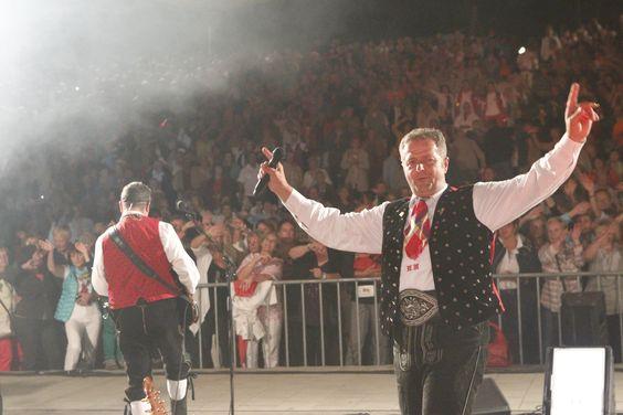 Norbert und den Kastelruther Spatzen hat es sehr gut gefallen! Wir kommen 2014 wieder! Hier alle Bilder: http://www.hohenstein-konzerte.de/bilder-kastelruther-spatzen-plauen_6461
