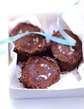 Bûche au chocolat et amandes amères - une recette Chocolat - Cuisine