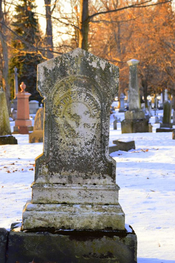 Erie Cemetery PA   photo by HvR