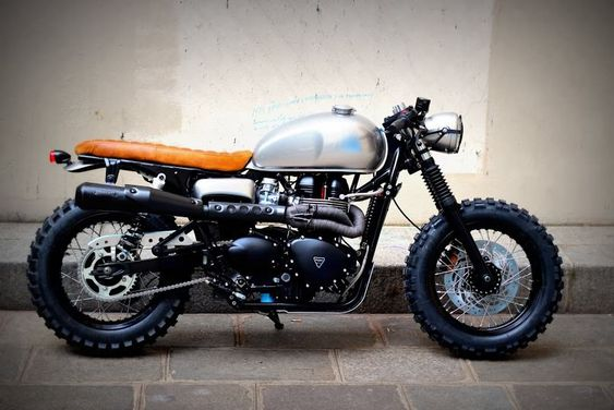 Triumph cafe tracker by vintage racers beautiful for Garage paris club