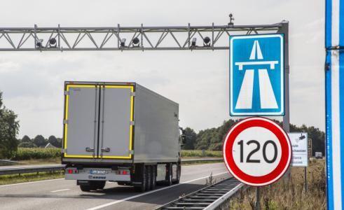 Bild:Mindestlohn: Rechtssicher in Frankreich transportieren (Wer von Deutschland aus Waren nach Frankreich transportiert, muss die dort gültigen Vorschriften zum Mindestlohn beachten - und die haben es in sich. | Foto: Krone)