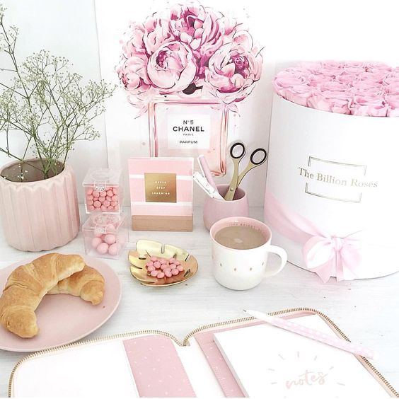 Thanks dear @jodianne_ for sharing this gorgeous pic with my 'Peonies à COCO' Print. I looove it! 😍  Find it a