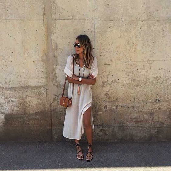 Summer wear  / Sincerely Jules in the Jessie dress. #myaritzia #NowhereEverywhere: