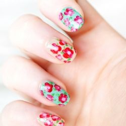 12 Fabulously Floral Nails to Rock This Summer (image via She Said Beauty)