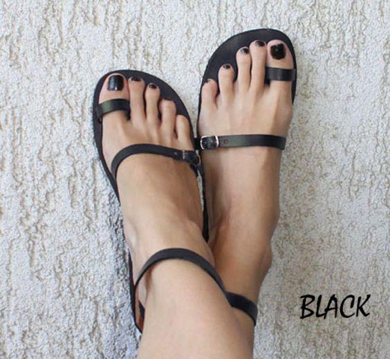 Sandalen - Zehenring, Knöchelriemen, Ledersandalen - Breeze - ein Designerstück von Calpas bei DaWanda