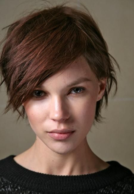 goal for my haircut to grow out... and i'm kinda liking the color, also!