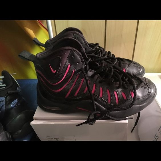 Nike Air bakin 4.5Y Nike air bakin size 4.5Y pink and black EUC Nike Shoes Sneakers
