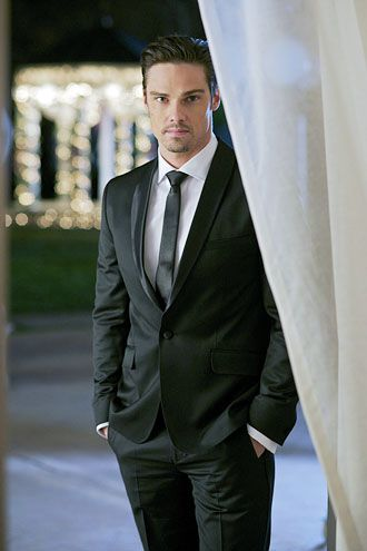 """Jay Ryan from Beauty and the Beast just made the """"spanked"""" list!"""