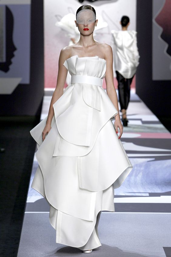 Viktor & Rolf - Spring 2011 Ready-to-Wear - Look 36 of 41
