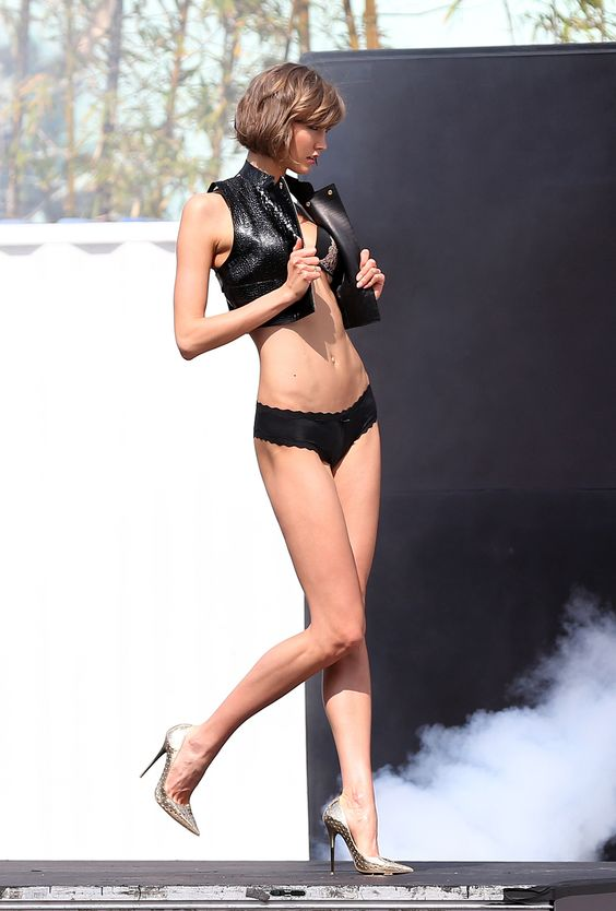 Karlie Kloss behind the scenes of a Victoria's Secret photo shoot in Miami, Florida, February 8, 2013