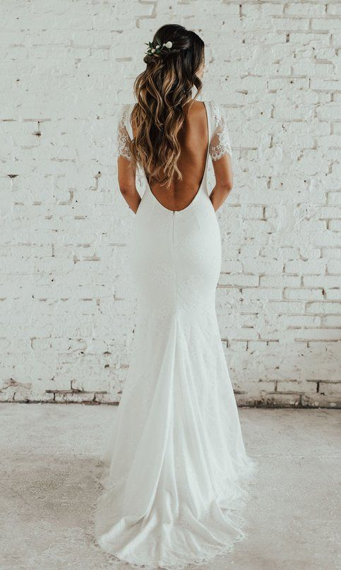 The Backless Gown White Lace Sleeve Wedding Dress In 2020 Backless Wedding Dress Bride Hairstyles Wedding Dresses