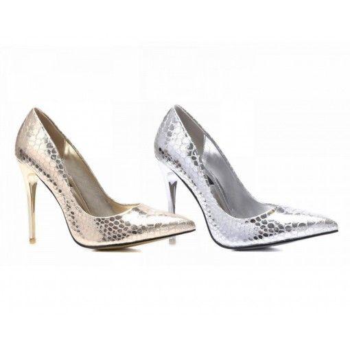 Die High Heels zaubern schöne lange Beine und glänzen in modischer Schlangenoptik. Sie haben die Wahl zwischen luxuriösem Gold oder edlem Silber
