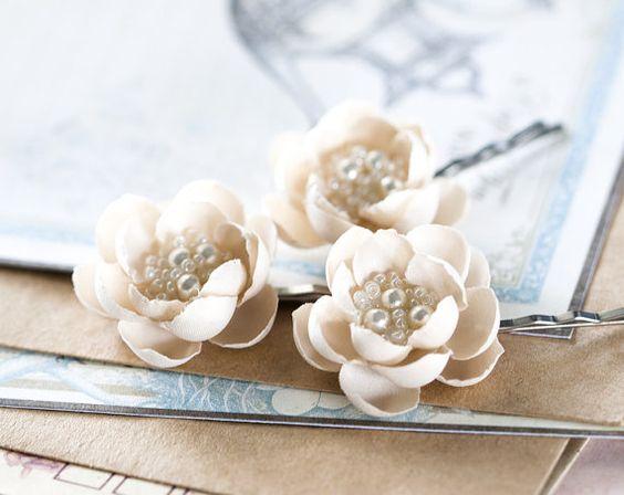 Бежевые цветы для волос Аксессуары для волос Цветок от ArsiArt