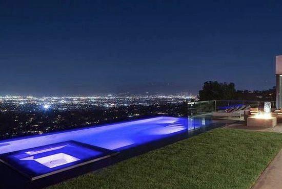 Pin On Hollywood Hills Vanishing Edge Slot Overflow Pool Paolo Benedetti Aquatic Technology Pool Spa
