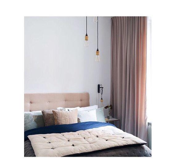 Måttanpassade gardiner i sammet, sovrummet tillhör Petra Tungården ...