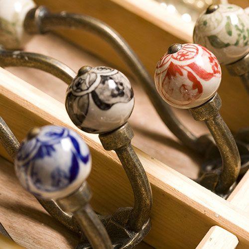 Crochet en céramique tige en métal vieilli Nkuku: