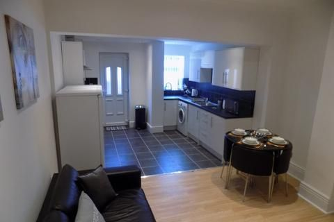Maltravers Crescent Sheffield 2 Bed Terraced House 550 Pcm 127 Pw Terrace House Renting A House 1 Bedroom Flat