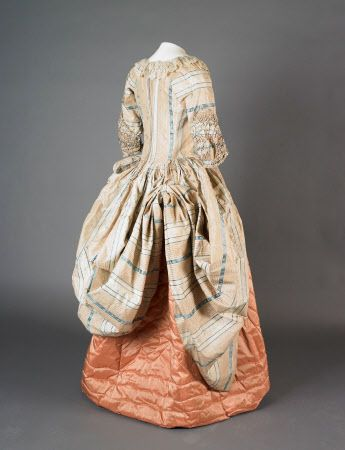 very similar to 1775 polonaise p 49
