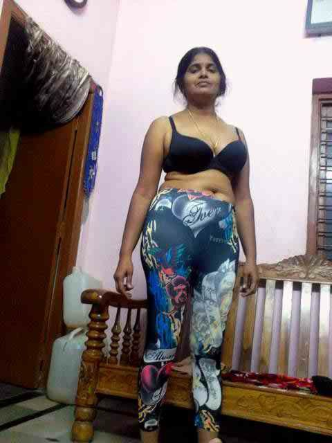 Cute bangalore housewife with big tits poses naked on cam - 3 4