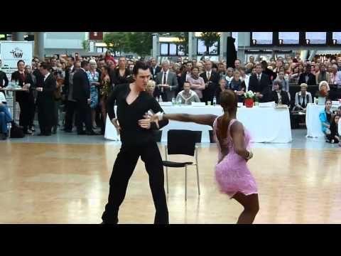Tanz Terminal Tanz Mit Den Tanzern Aus Lets Dance Lass Uns Tanzen Tanzen Let S Dance