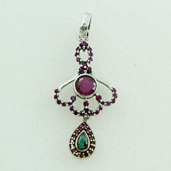 RUBY AGATE & EMERALD AGATE STONE CHARMING DESIGN 925 STERLING SILVER PENDANT #SilvexImagesIndiaPvtLtd #Pendant