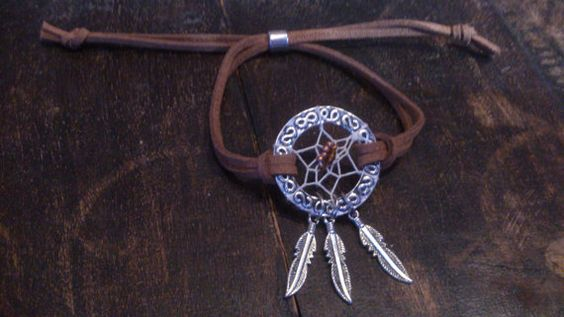 Hand made dreamcatcher bracelet / Silver coloured by Suusjabeads