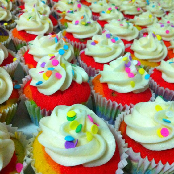 Raínbow cupcakes