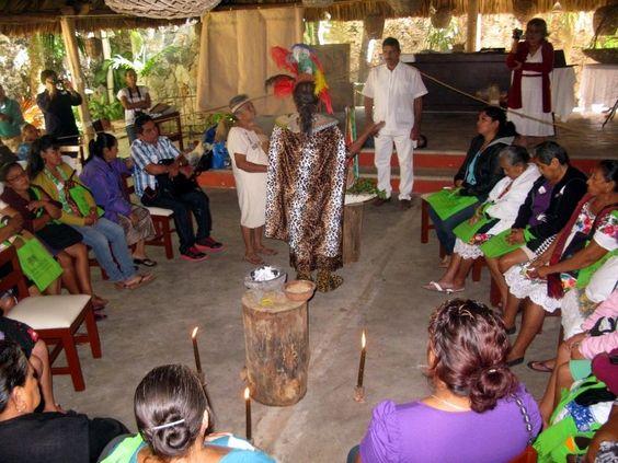 Parteras empíricas de diversos municipios del Estado de Yucatán