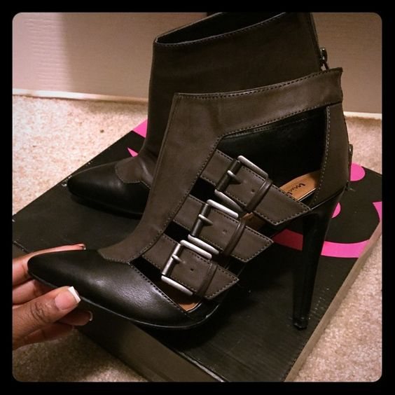 Strappy booties Black and grey ankle boots with buckles/straps. Shoes