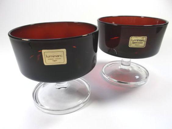 2 Dessert-Schalen aus Glas (1676)