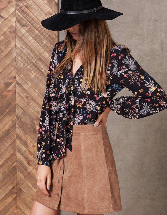Camisa estampada con lazo - CAMISAS - WOMAN | Stradivarius Mexico