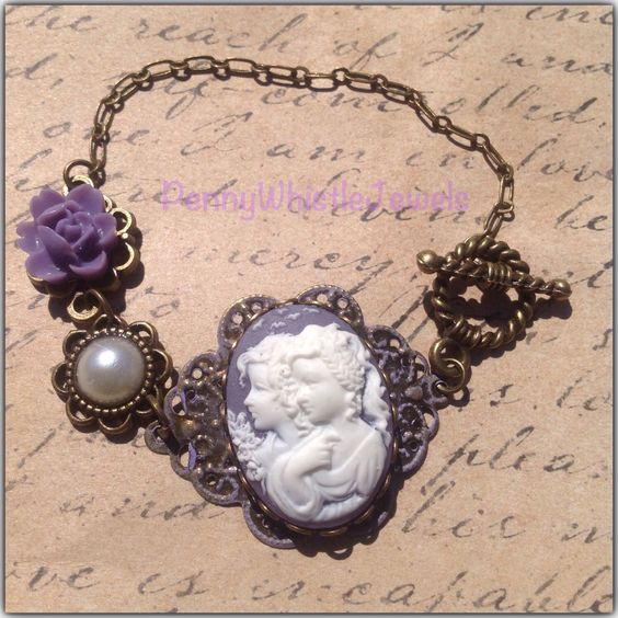 Mother Daughter Cameo Bracelet, Twins Cameo Bracelet, Sisters Jewelry, Best Friends Jewelry, Mother's Day Gift, Gift For Mom by PennyWhistleJewels on Etsy https://www.etsy.com/listing/228496182/mother-daughter-cameo-bracelet-twins
