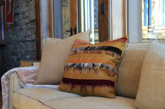 The design of the Rocky Mountain Estate's interior is influenced by the great outdoors and revolves around the owners' extensive art collection.