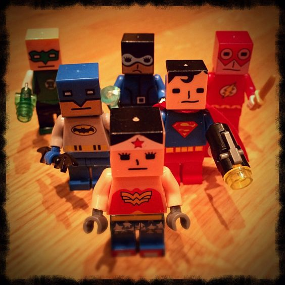 These knockoff DC Definitely-Not-LEGO minifigures with gratuitous ...