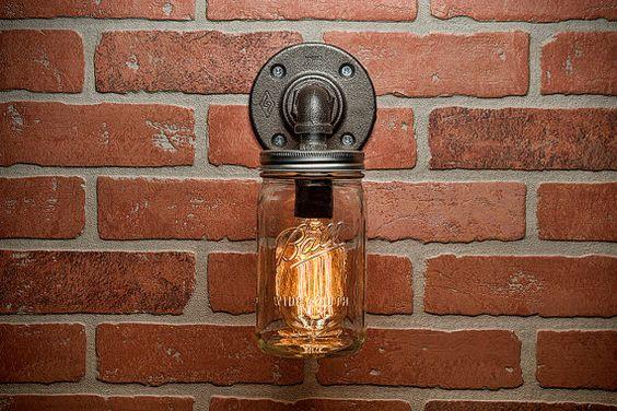 Etsy の Industrial Lighting Lighting Mason Jar Light by TMGDZN