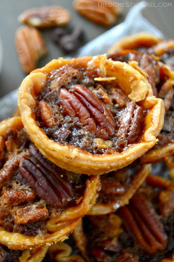 Chocolate chip pecan pie, Mini chocolate chips and Pecan pies on ...